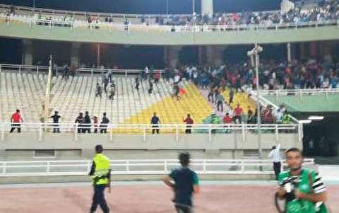 درگیری در بازی پرسپولیس و استقلال خوزستان