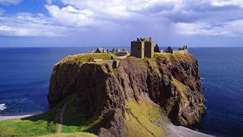 قلعه دونوتار از نمای نزدیک