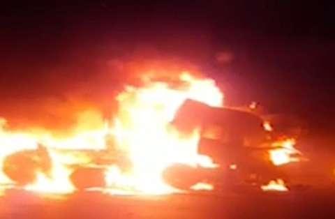 آتش سوزی تریلی در جاده اصفهان به تهران