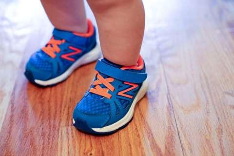 چگونه کفش فرم راه رفتن انسان را تغییر داد؟