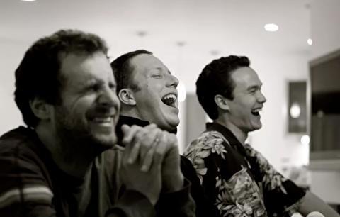 چگونه دیگران را بخندانیم؟