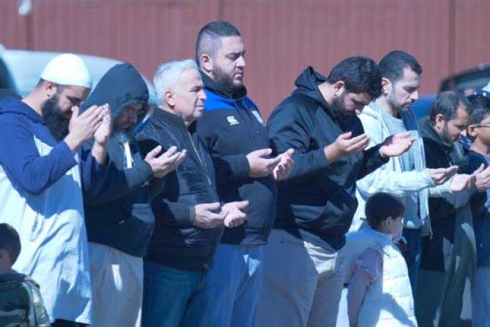 اقامه نماز باران در استرالیا با حضور ۳۰ هزار نمازگزار