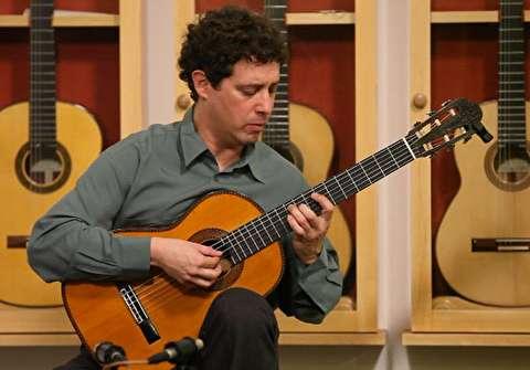سه سولو گیتار کلاسیک؛ مارک تیلز