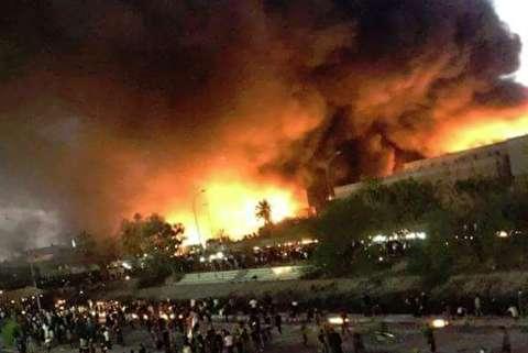 لحظات به آتش کشیدن کنسولگری ایران در بصره