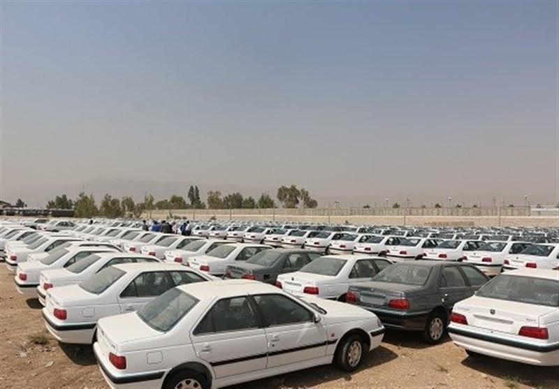 سخنان تکاندهنده مسئول مجلسی مبارزه با فساد درباره فساد خودروسازان!/ چرا باید 160 هزار خودرو احتکار شود؛ صدای هیچکس هم در نیاید؟!
