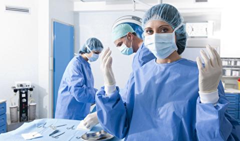 نحوه پوشیدن گان جراحی و درپ کردن بیمار