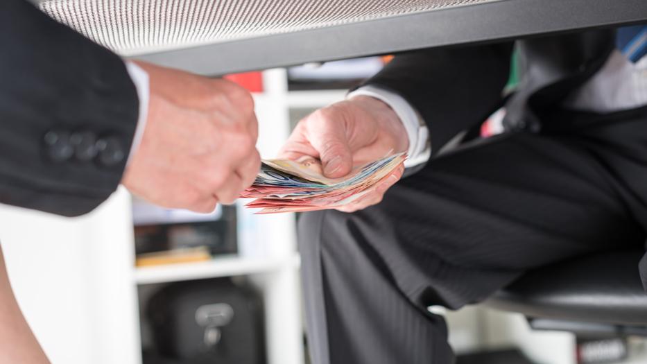 مردم سه استان شمالی بیشترین پرداخت رشوه را به ادارات دولتی داشته اند!