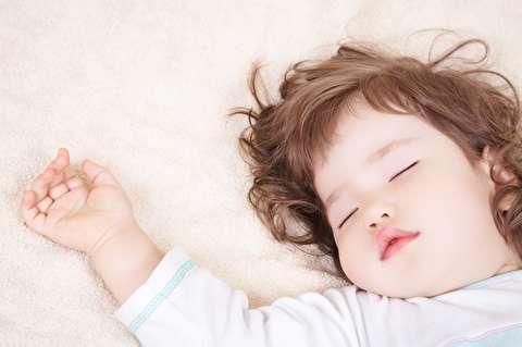 روش جدا کردن جای خواب کودک از والدین