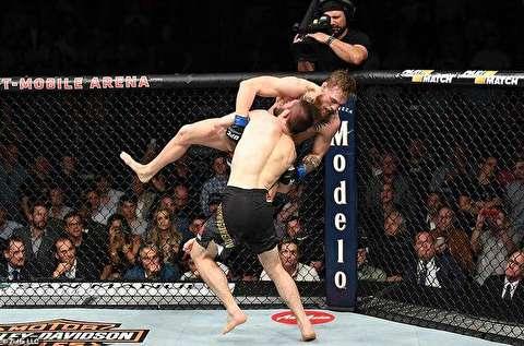 نبرد کانر مک گریگور و حبیب ماگمدوف در UFC