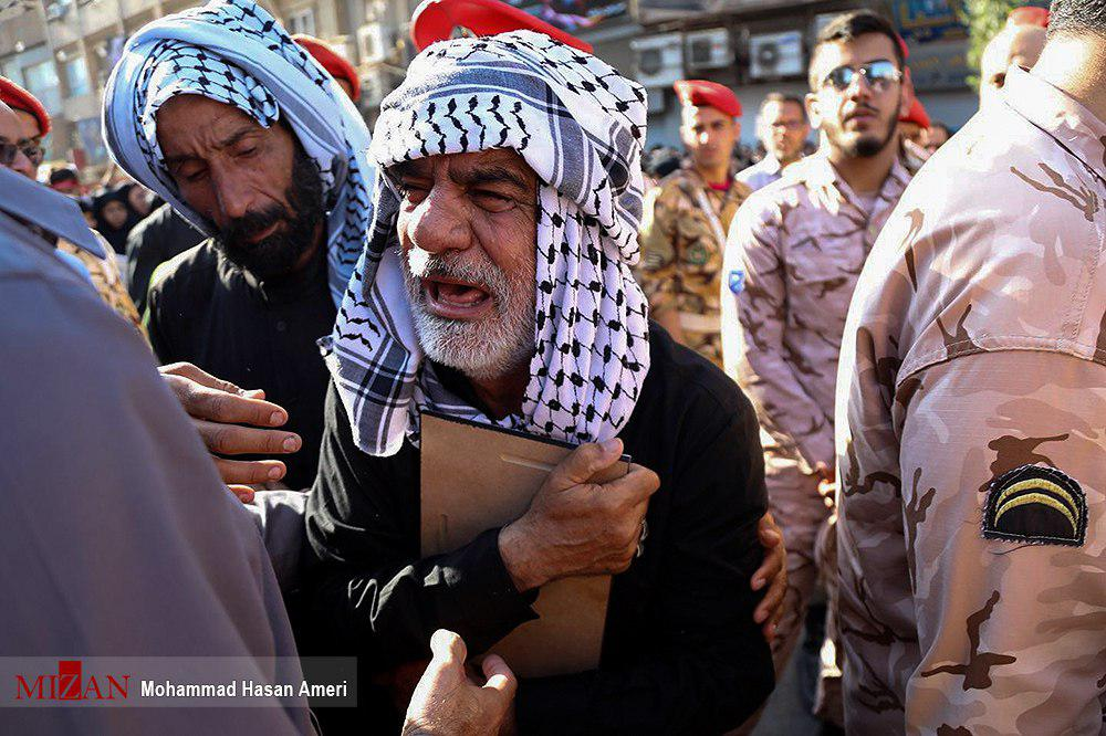 سنگ تمام خوزستانیها در بدرقه شهدای حمله تروریستی اهواز/ «جدایی خوزستان، خواب تحققناشدنی است»/ «تروریستها منتظر دست انتقام ملت ایران باشند»