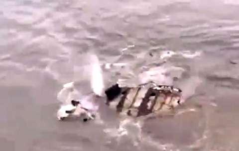 نجات سرنشینان کشتی چند ثانیه قبل غرق شدن