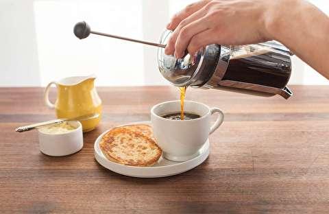 طرز تهیه قهوه فوری با فرنچ پرس ولی بدون پرس!