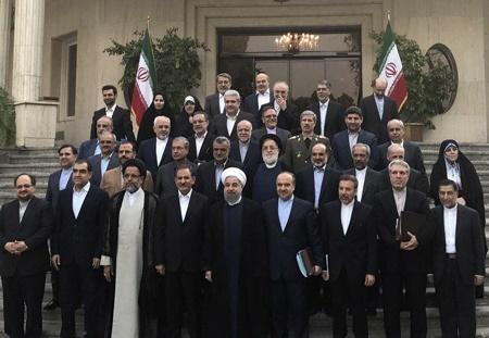 اختلافنظر اصلاحطلبان و اعتدالگرایان کابینه درباره تغییرات جدید دولت!/ روحانی برای انجام 7 تغییر به جمعبندی رسید