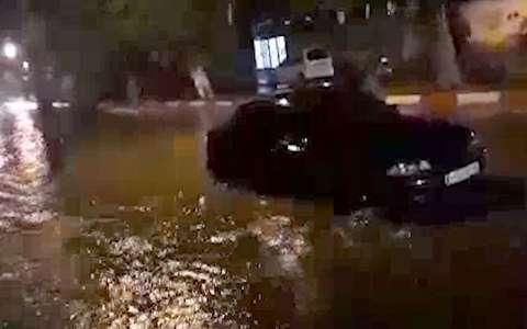 آبگرفتگی معابر مهران پس از طوفان