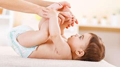 چگونه پوشک نوزاد را عوض کنیم؟
