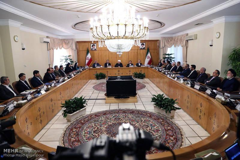 وزیران «علوم، دادگستری، صنعت، راه و کشاورزی» در صف اول تغییر/ آقای رئیسجمهور اولویت کشور اقتصاد است