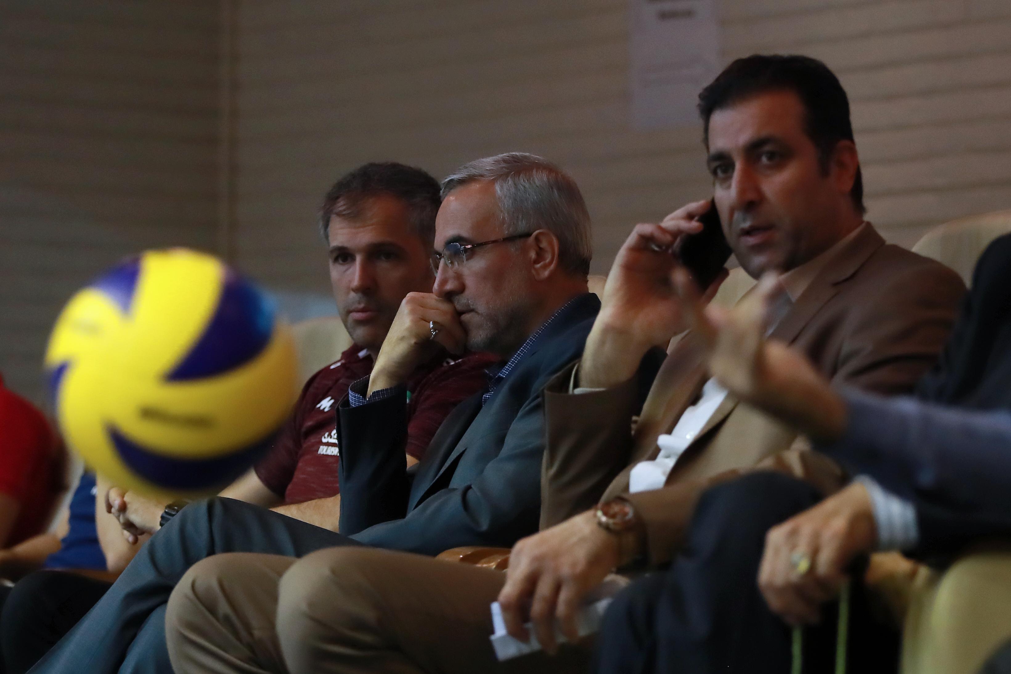 تماس فدراسیون والیبال با FIVB برای فرار رییس ازقانون بازنشستگی