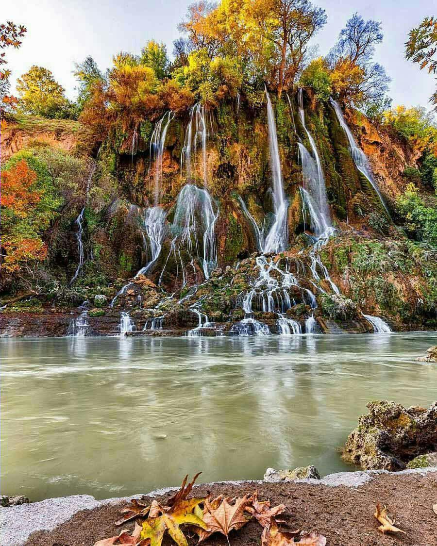 منظرهی پاییزی آبشار بیشه لرستان