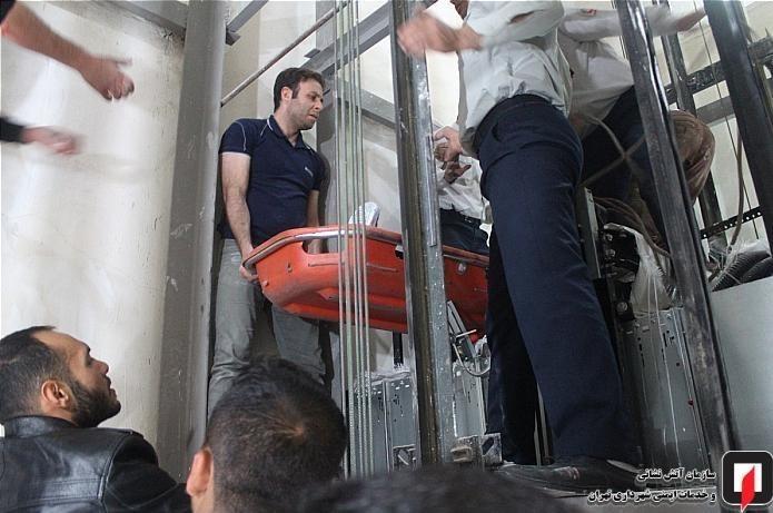 حادثه هولناک برای کارگر در کابین آسانسور