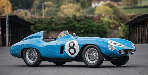 فراری موندیال 500 مدل 1955، قهرمان پیست