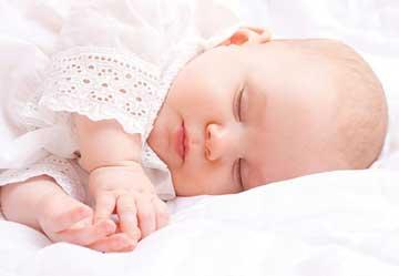 بوسه مرگبار جان نوزاد را گرفت