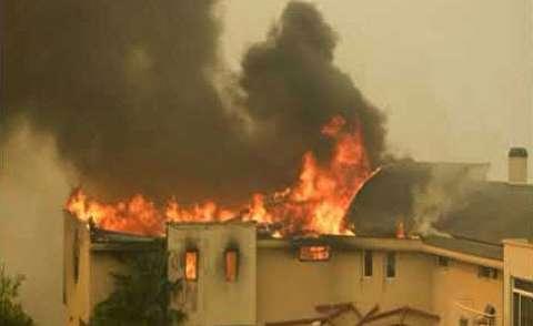 تخلیه شهر مالیبو به دلیل گسترش آتش سوزی