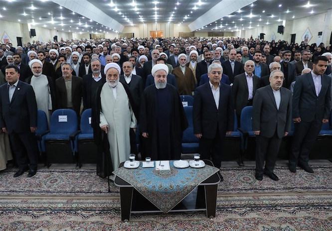 تجلیل رئیس جمهور از بیرانوند در اجلاسیه نماز