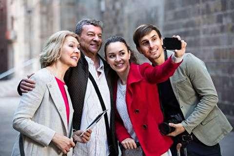 چگونه با تلفن همراه عکس گروهی عالی بگیریم؟