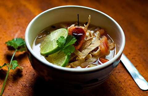 طرز تهیه سوپ لیموترش مکزیکی