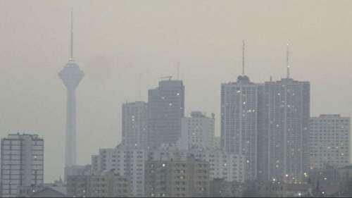 تا زمانی که این خودروسازها هستند، مهار آلودگی هوا امکانپذیر نیست/در هیچ کشوری، یک صنعت زیانده را به هر بهایی نگه نمیدارند