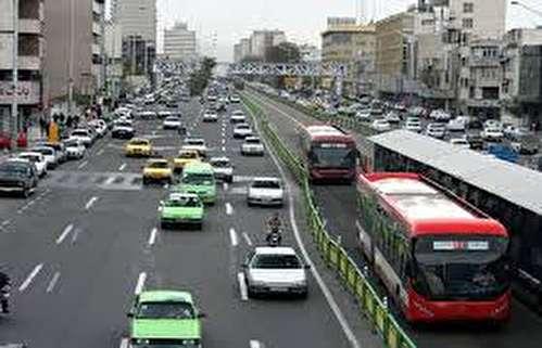 نمایندهها باید در ترافیک بمانند تا مشکلات مردم را بشناسند/ نمایندگان نیز باید مانند دیگر شهروندان در سطح شهر رفت و آمد کنند