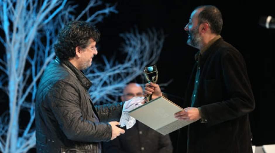 اکسُدوس کیارستمی جایزه بین الملل را برد / خاطرات خبرنگار جنگ صاحب جایزه آوینی شد