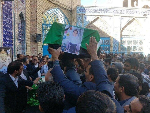 تشییع پیکر دانشآموزان جانباخته آتشسوزی زاهدان