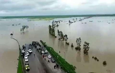 جاده آققلا به گنبد به زیر آب رفت!