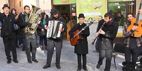 اجرای جینگل جانگو در خیابانهای مادرید