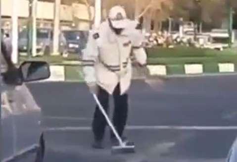 رفتار جالب پلیس راهنمایی و رانندگی در تبریز