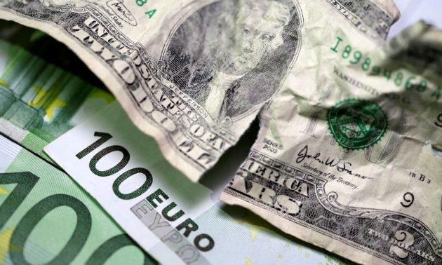 با طرح برخی نمایندگان مجلس؛ بانک مرکزی، قاچاقچی محسوب میشود/ چینیها هم به دنبال جهانی کردن یوان و کاهش سلطه دلار هستند، اما عاقلانه و حساب شده