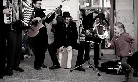 یک اجرای جز خیابانی دیگر در مادرید