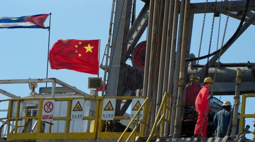 حفاری نفت توسط چینیها در حیاط پشتی ایالات متحده