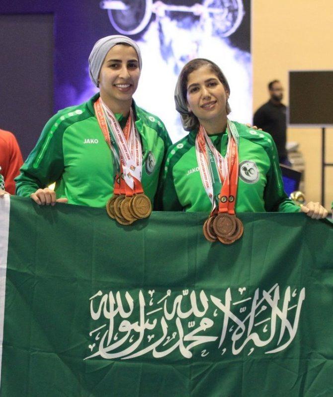 اولين حضور زنان عربستان درمسابقات وزنه برداري+عكس