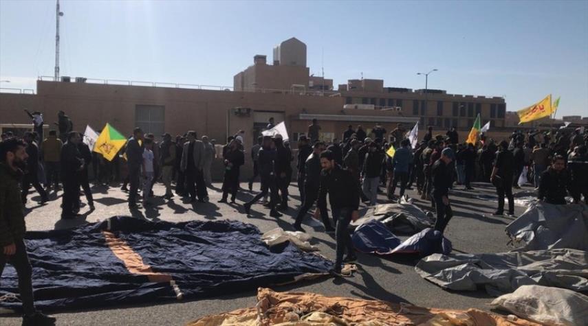 ادامه تحصن مقابل سفارت آمریکا در عراق