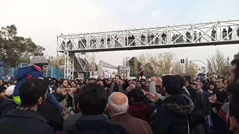 عزاداری نمازگزاران پس از نماز جمعه تهران