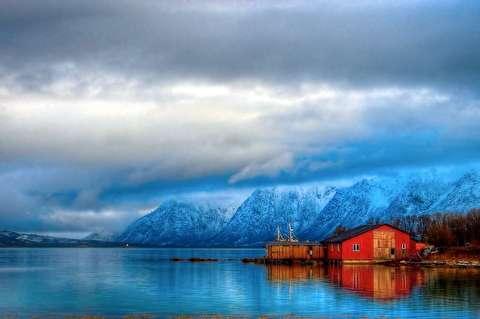 نروژ در تابستان و زمستان