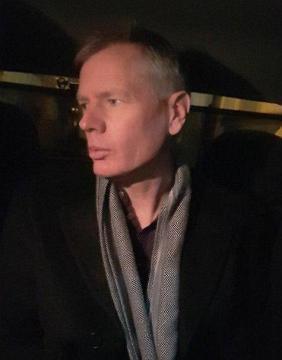 سفیر انگلیس مقابل دانشگاه امیرکبیر دستگیر شد