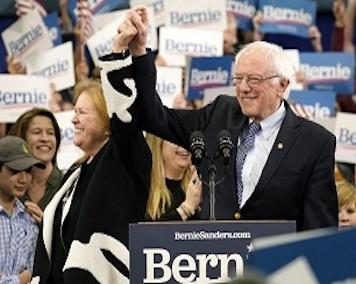 سندرز پیروز انتخابات درون حزبی نیوهمپشایر