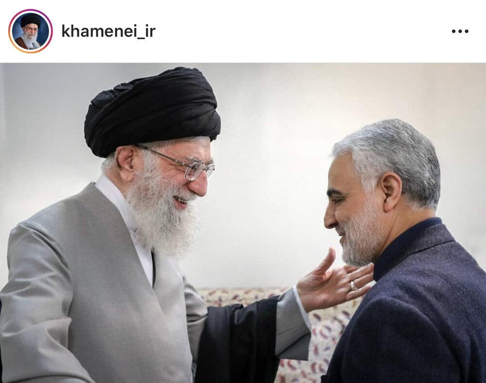 تصویری از شهید سلیمانی در کنار رهبر انقلاب