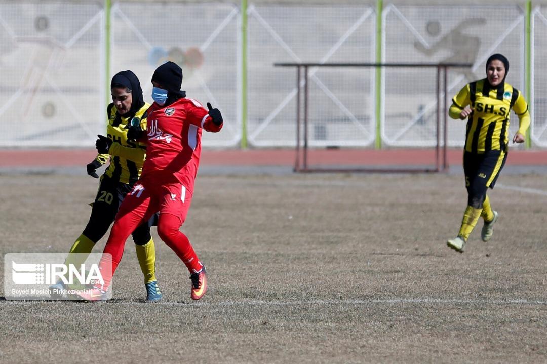 مسابقات فوتبال زنان ایران تحت تاثیر کرونا!