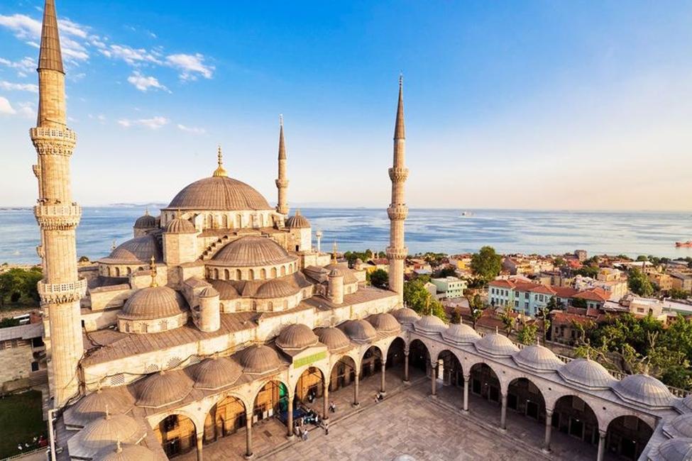 نوروز ۹۹ در سفر به استانبول یا باکو