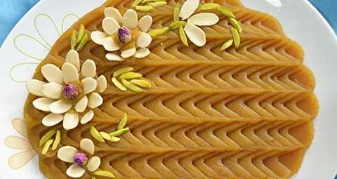 طرز تهیه حلوای سه آرد