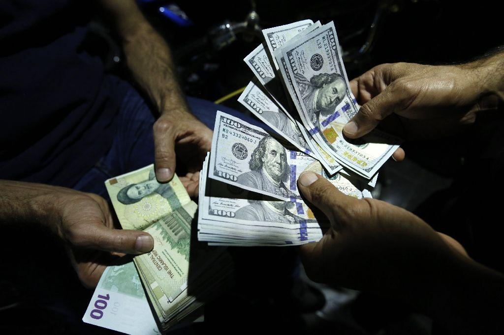 سد مقاومتی دلار ۱۴ هزار تومان برای سومین بار شکسته شد/ افزایش قیمت دلار تحت تاثیر تصمیم FATF پیشخور شده است